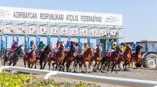 Equestrian Federation of Azerbaijan Republic will hold Racing on April 21, 2018 .
